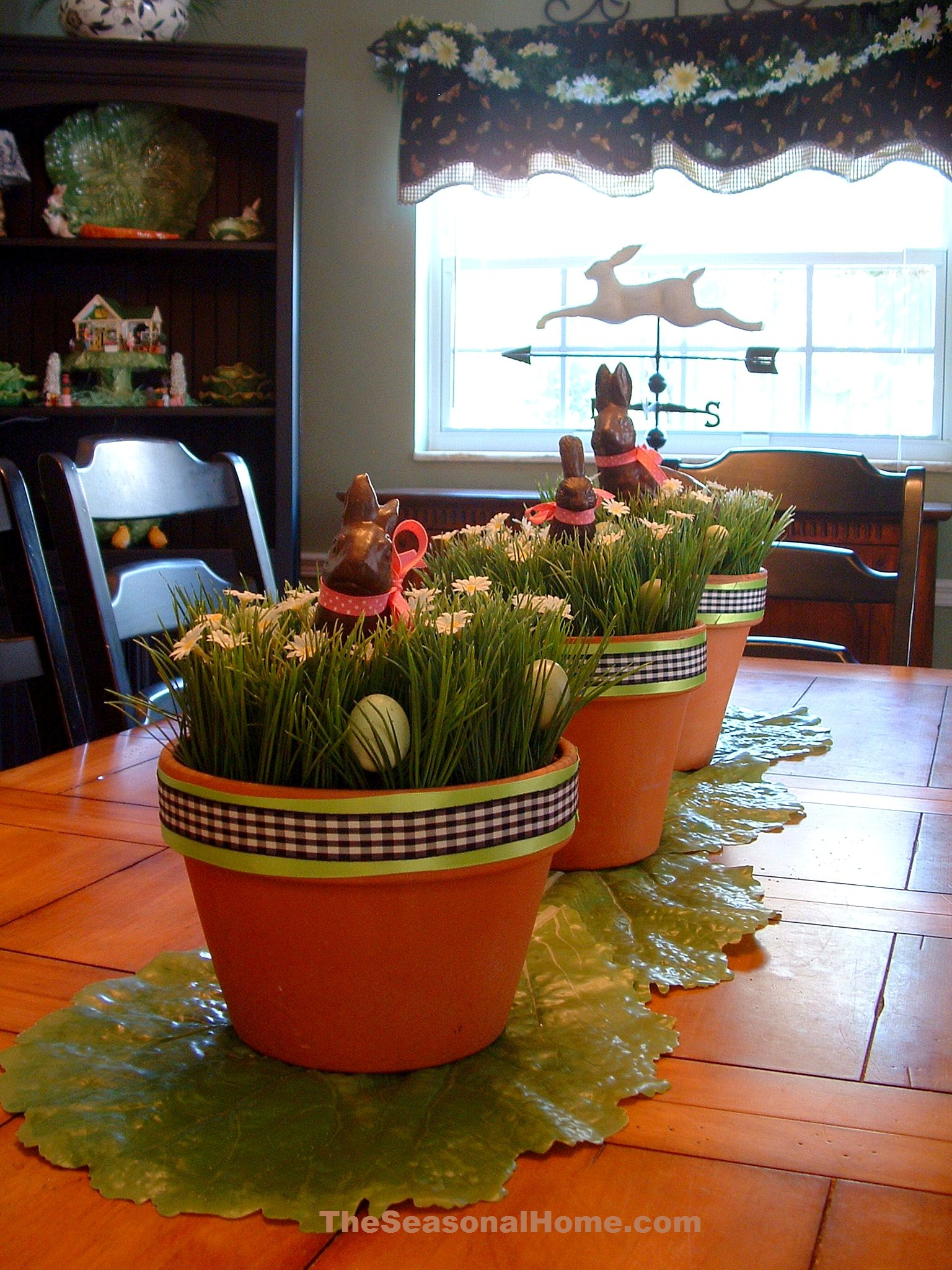 Versatile table centerpieces for spring and easter the for Art and craft pot decoration