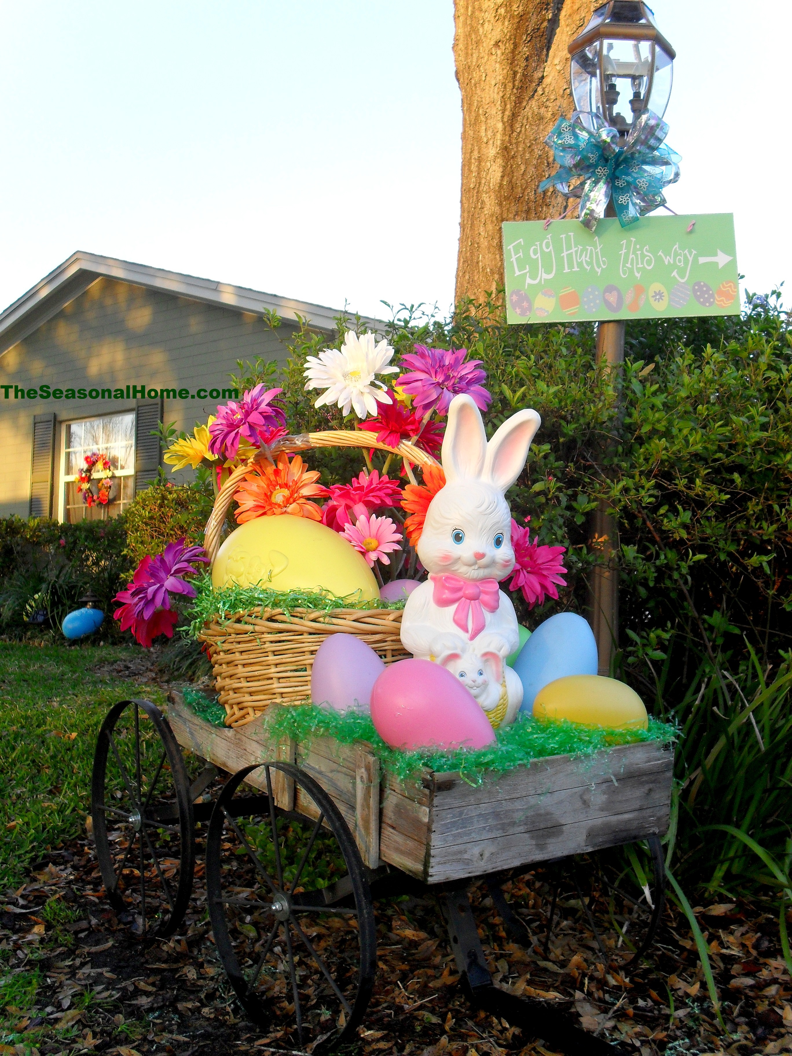 A springy easter yard the seasonal home for Home garden decoration