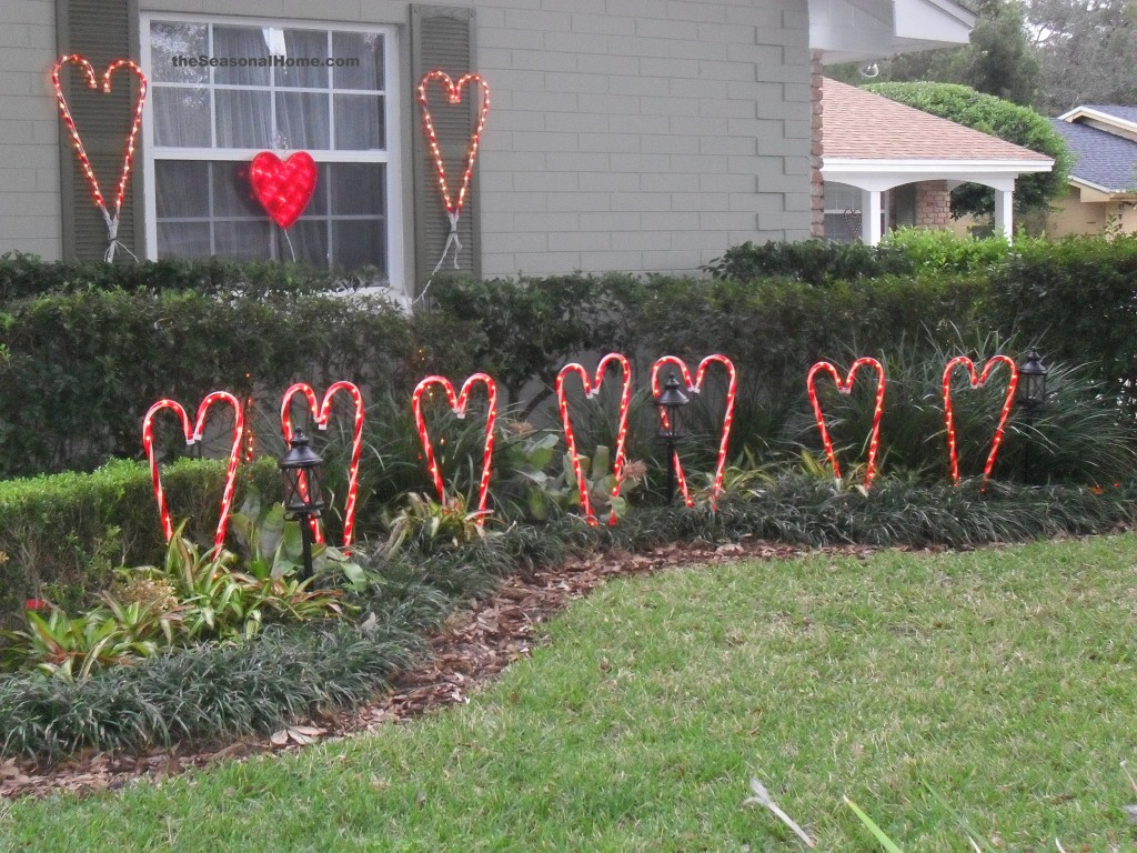 New twist on my valentine yard decor the seasonal home for Outdoor dekoration