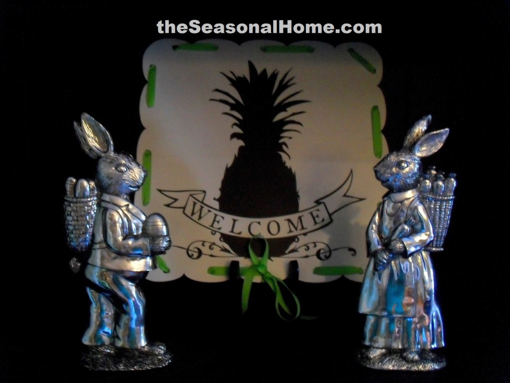 s_Kitchen Shelf_Silver bunnies