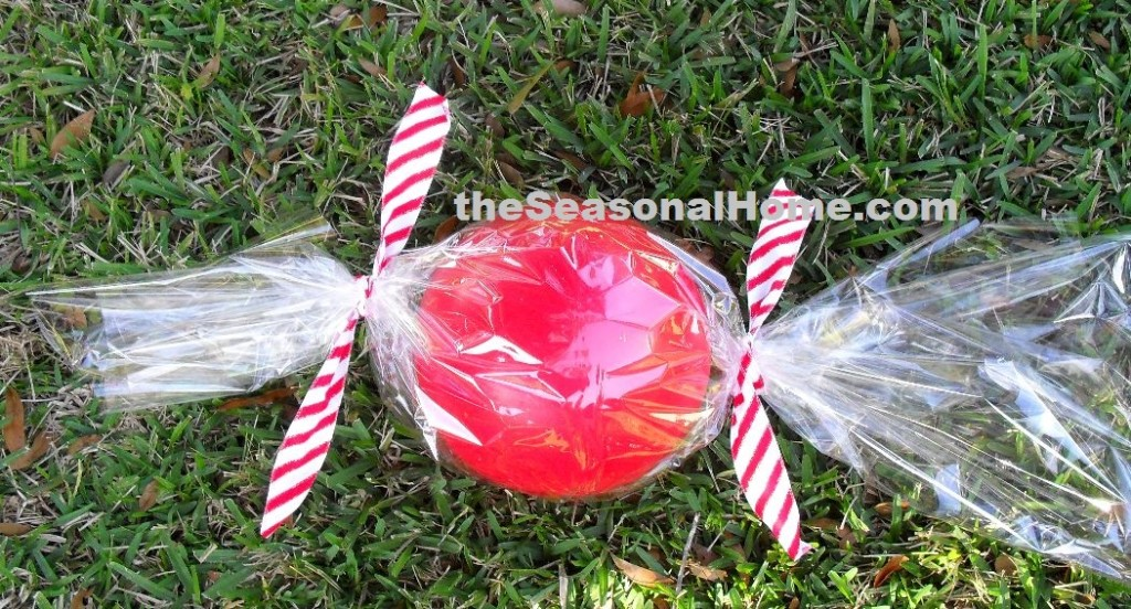 christmas gum ball_add tie