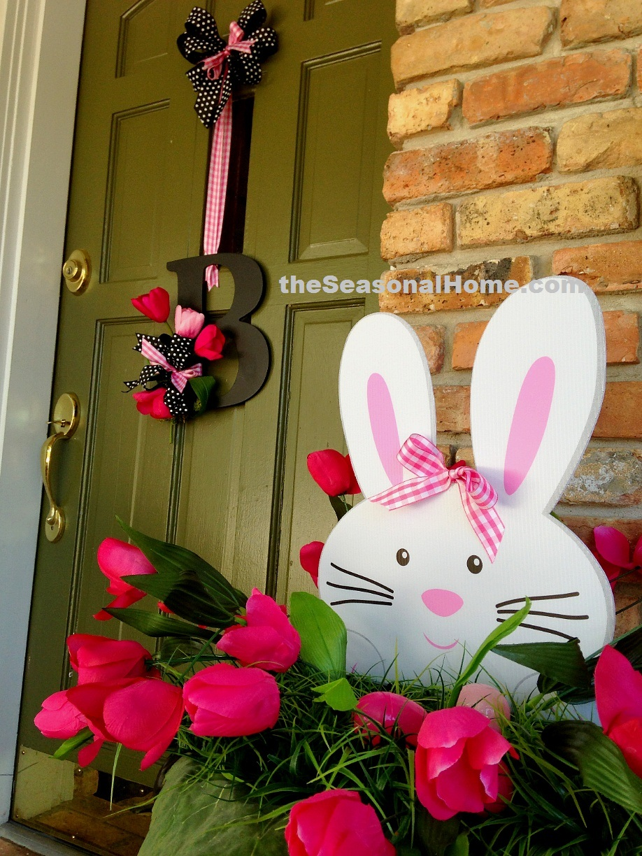 s_front door_bunny right