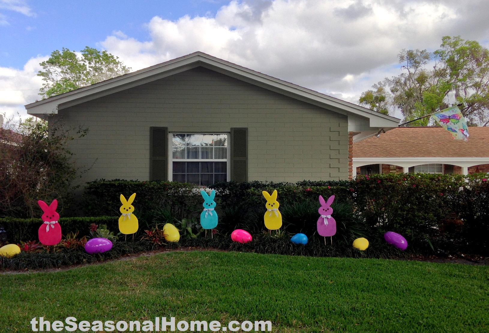 A patch o peeps in the easter garden the seasonal home for Outdoor dekoration