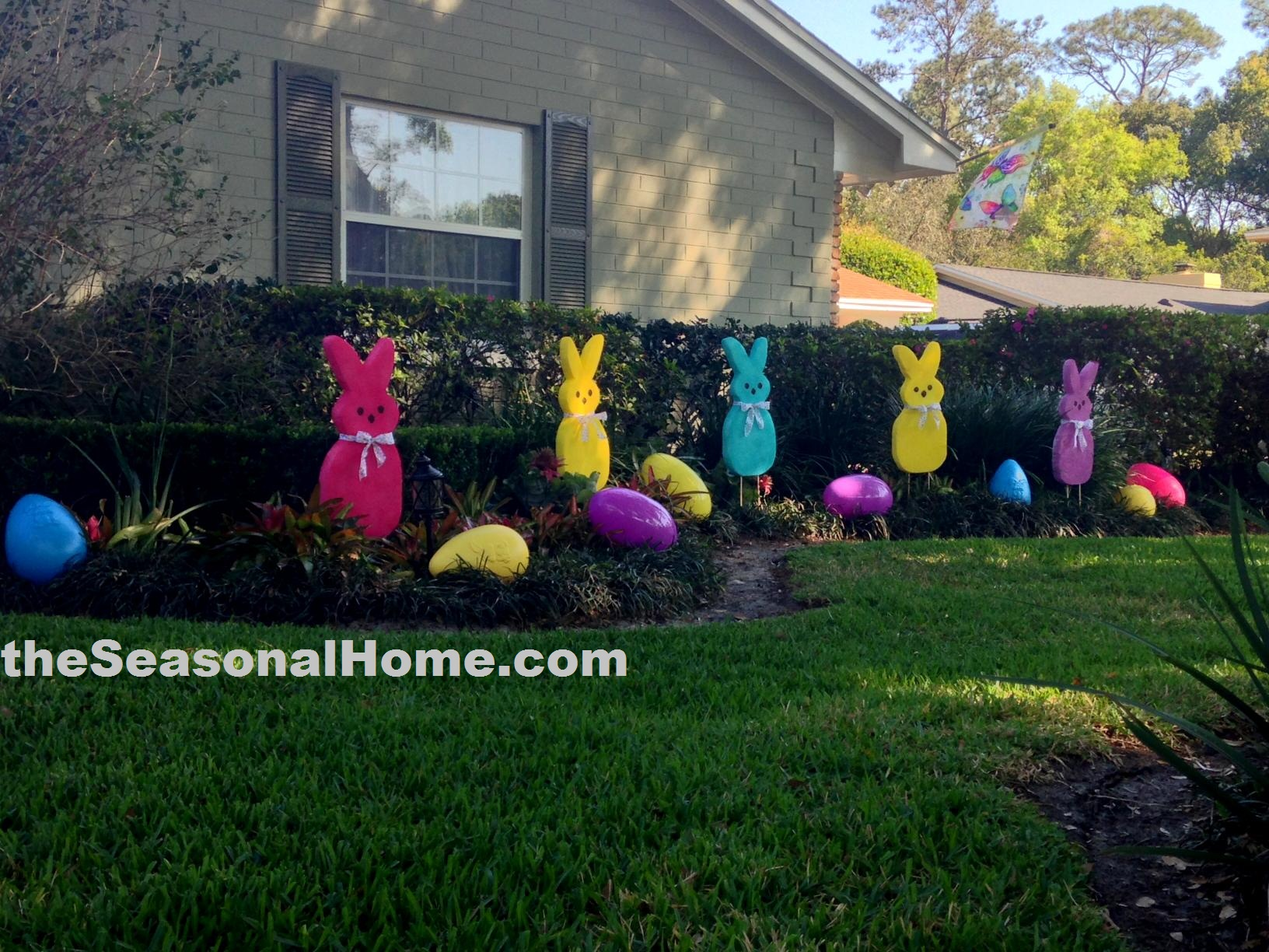 A patch o peeps in the easter garden the seasonal home for Diy easter decorations for the home