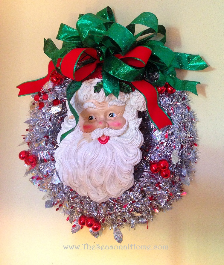 s_FR_Santa wreath_closeup